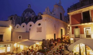 piazzetta nightlife capri