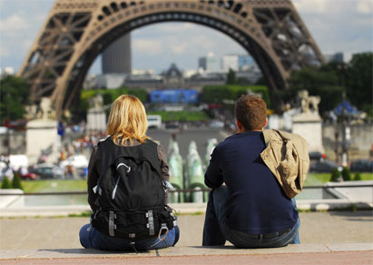 How To Ditch Your Travel Mate
