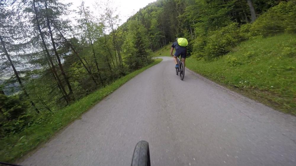 mountain-biking-woods-tirol