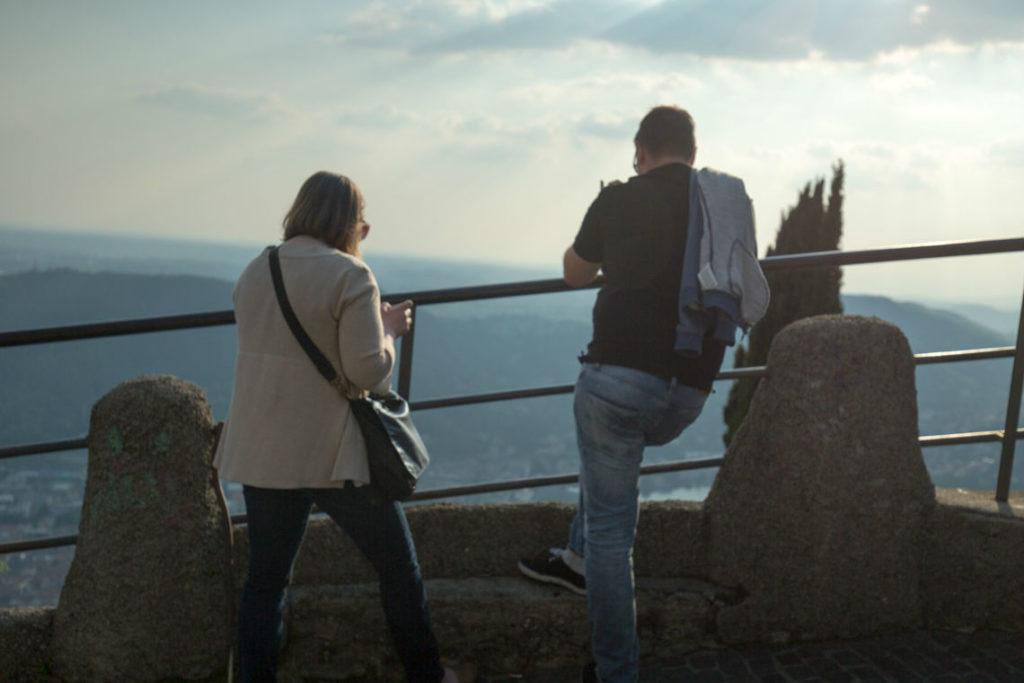 couple-view-over-lake-como